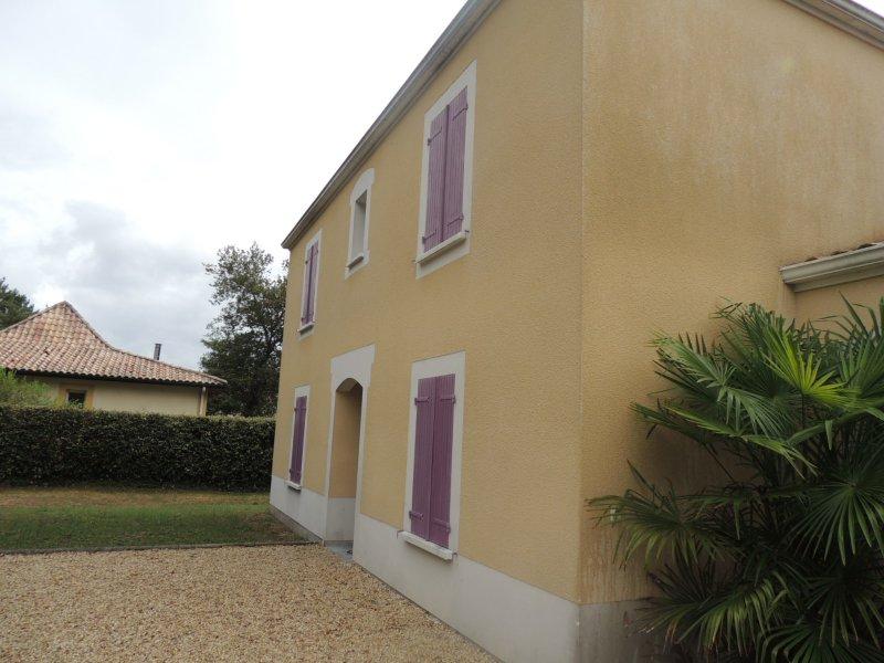 Location Maison T5 De 150m U00b2  U00e0 Saint Morillon  33650